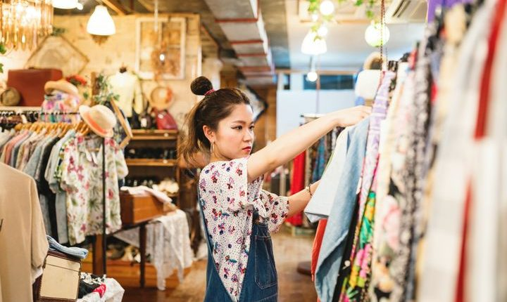 Buying Vintage Clothes1