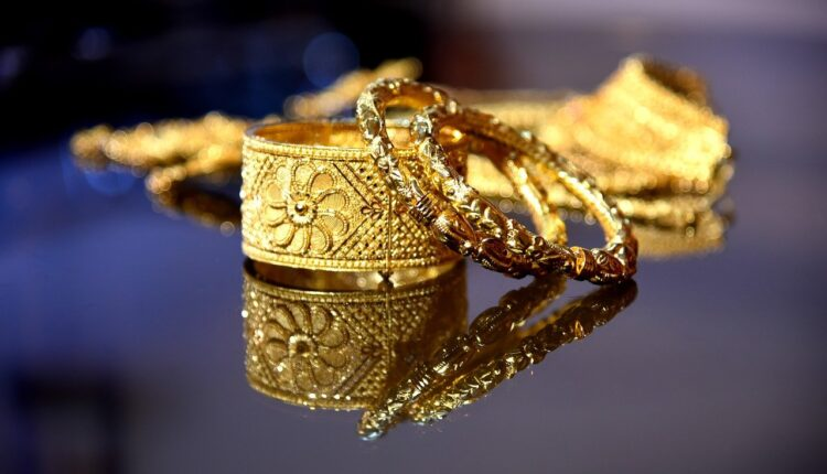 Buying Gold Jewelry